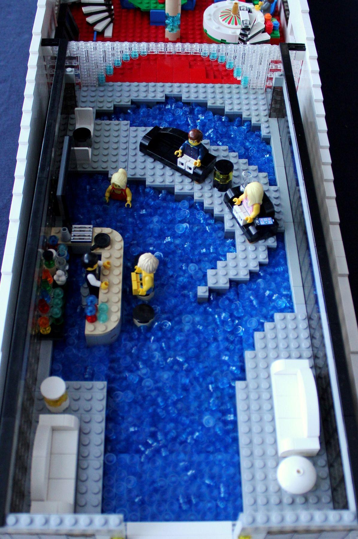 LEGO Mega-Yacht — Ke...